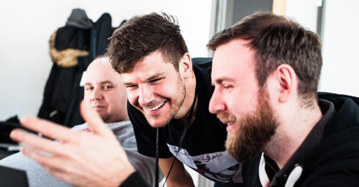Tobias Kehl vom Start-up Neception (Mitte) unterstützte die Pepperl+Fuchs Teams.