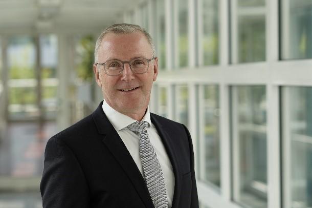 """Prof. Jörg Krüger vom Institut für Werkzeugmaschinen und Fabrikbetrieb IWF, Berlin: """"Wir benötigen eine systematischere Vorgehensweise, um mit KI in der Produktion neue Wertschöp-fungspotenziale zu erschließen."""""""