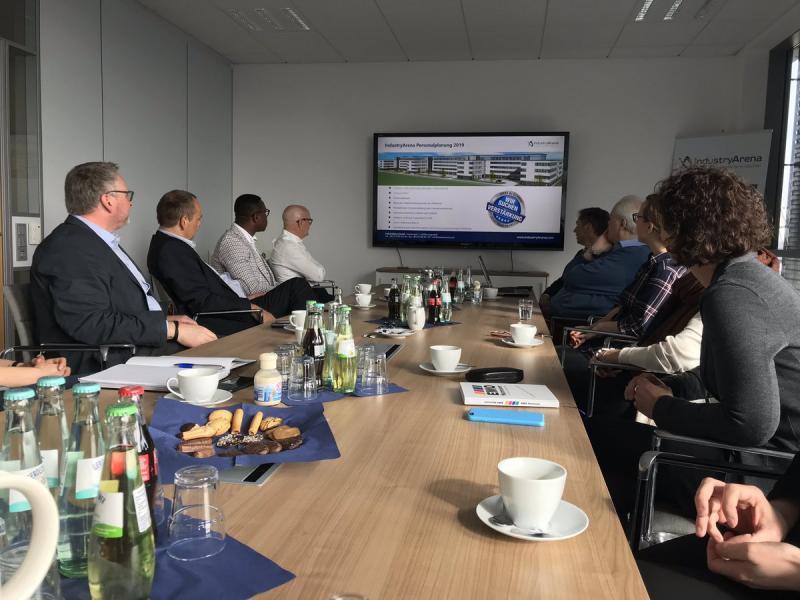 Am 05. April 2019 konnte die IndustryArena die Kollegen vom Verein Deutscher Werkzeugmaschinenfabriken e. V. (VDW) im Industry Competence Center (ICC) in Langenfeld begrüßen. Die Messe- und Presseabteilung des VDW waren zu Gast, um im Rahmen eines Come2Gether die zukünftig noch intensivere Zusammenarbeit von VDW und IndustryArena einzuläuten.