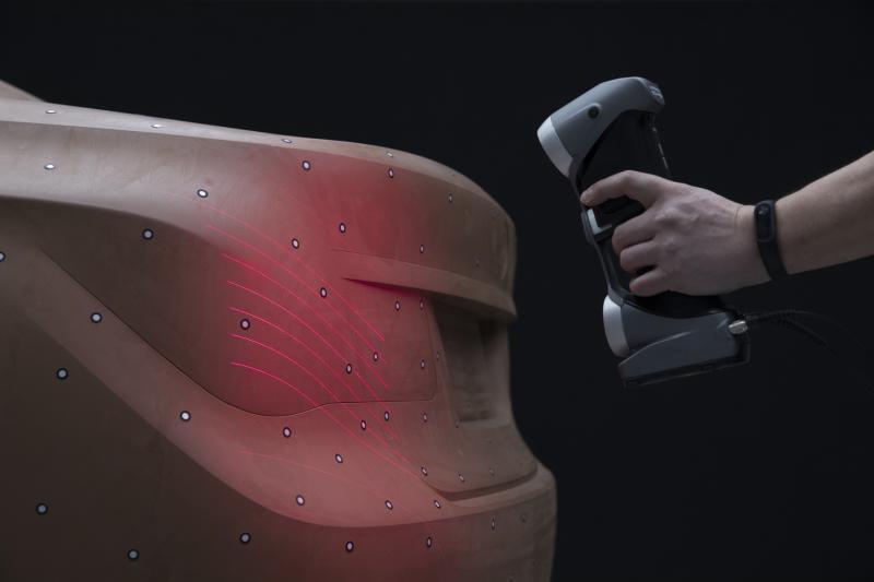 Design erarbeitete Tebis verlässliche Methoden, um die Formfindung über manuelle Gestaltung möglichst effektiv mit dem virtuellen Design verbinden zu können.