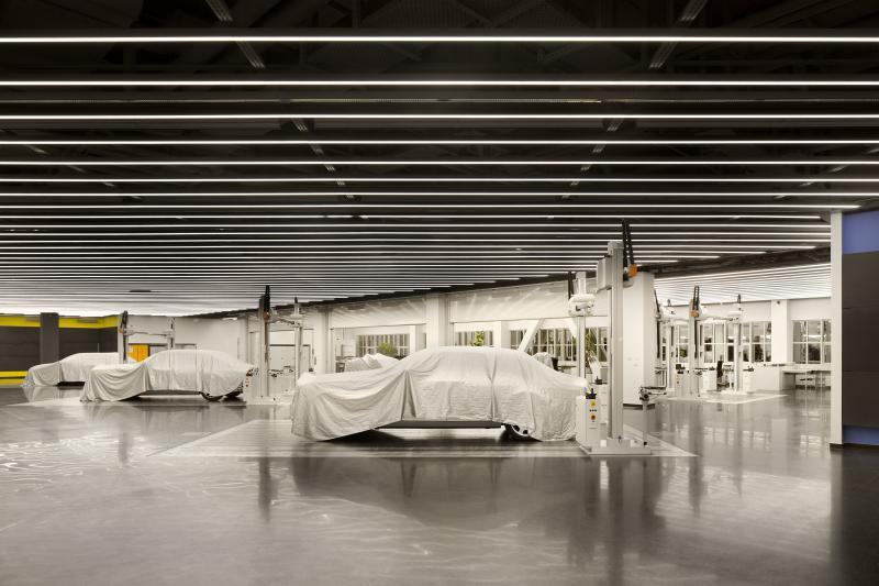 Für die Formfindung eines neuen Fahrzeugs sind spezielle Technik und Software erforderlich.