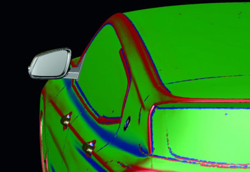Mittels Farbanalyse erkennen die Experten im Studio schnell konvexe und konkave Bereiche im Flächenmodell und konzipieren ihr zukünftiges Flächenlayout.