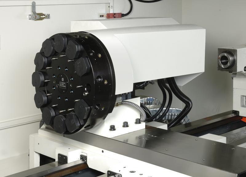 Als Werkzeugaufnahmen stellt Chevalier wahlweise eine klassische, manuelle Vierfachaufnahme, ein Wechselkassettensystem oder einen automatischen 8-fach oder 12-fach Revolver zur Verfügung.