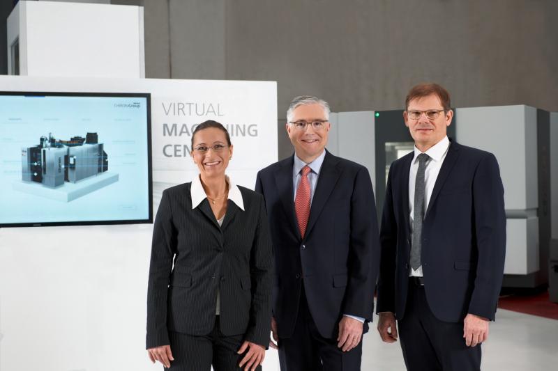 Die Geschäftsführung der CHIRON Group. Von links nach rechts: Vanessa Hellwing (CFO), Dr. Markus Flik (CEO), Wolfgang Ehrk (COO).