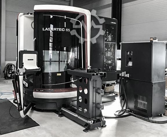 5-Achs Simultan-Fräsmaschine mit nur 906 h Spindellaufzeit Wir bieten Ihnen eine DMU 65 zum Kauf. Es handelt sich um eine reine Vorführmaschine, auf welcher nur leichte Schlichtbearbeitungen durchgeführt wurden. Die Maschine steht unter Strom und kann jederzeit bei uns besichtigt werden