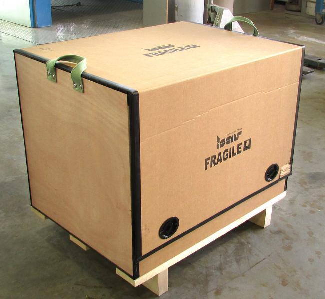 Wiederverwendbare Mehrzweck-Holzboxen schützen die sicher verpackten Werkzeuge beim Transport und der vorübergehenden Lagerung.