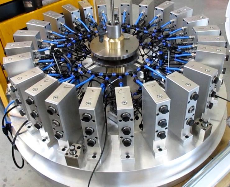 Adaptive Spannvorrichtung für Triebwerksbauteile (Combustor-Ring)