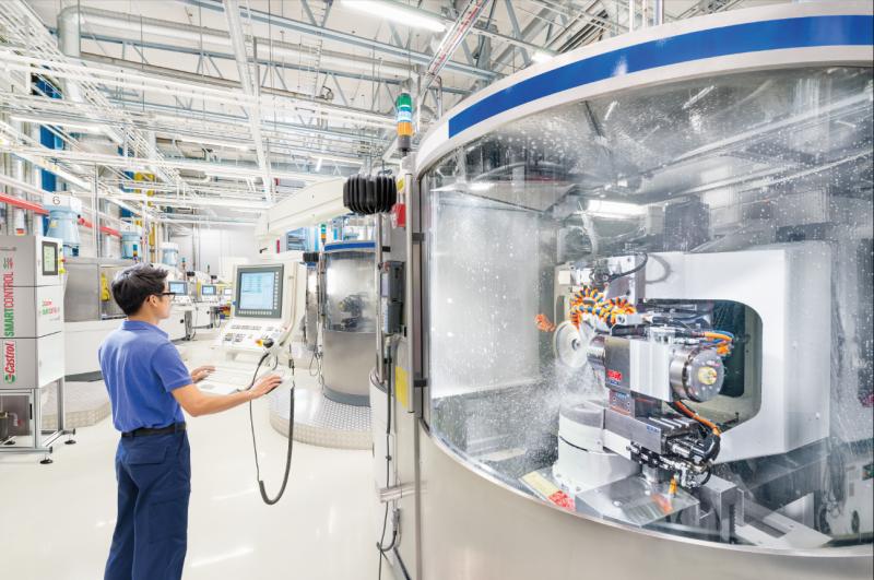 Das neue Castrol SmartControl ermöglicht die automatische Überwachung und Kontrolle Ihrer Zentralanlage für Metallbearbeitungsflüssigkeiten in Echtzeit. Das Modul liefert Echtzeitmessungen der Hauptparameter: Konzentration, PH-Wert, Leitfähigkeit, Temperatur, Volumenstrom und optional den Nitritgehalt.