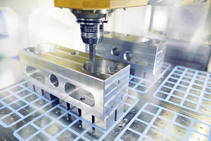 Hochleistungs-Hydro-Dehnspannfutter, wie SCHUNK TENDO E compact, verfügen über hohe Spannkräfte und können je nach Spanndurchmesser Drehmomente bis 900 Nm sicher übertragen. Bild: SCHUNK