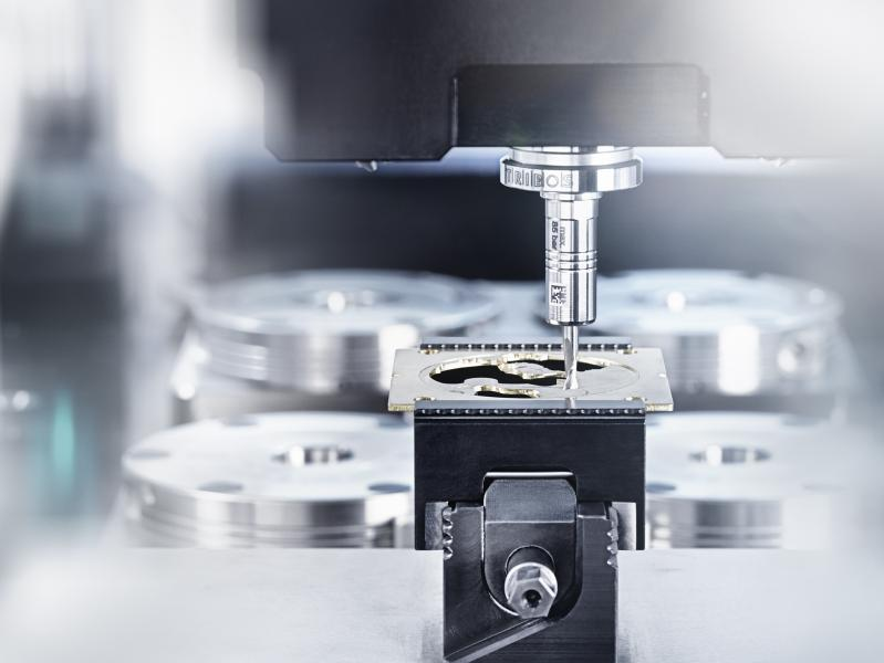 Micro-cutting has its own rules. Here, specialized toolholders like the SCHUNK TRIBOS-Mini soon pay off.