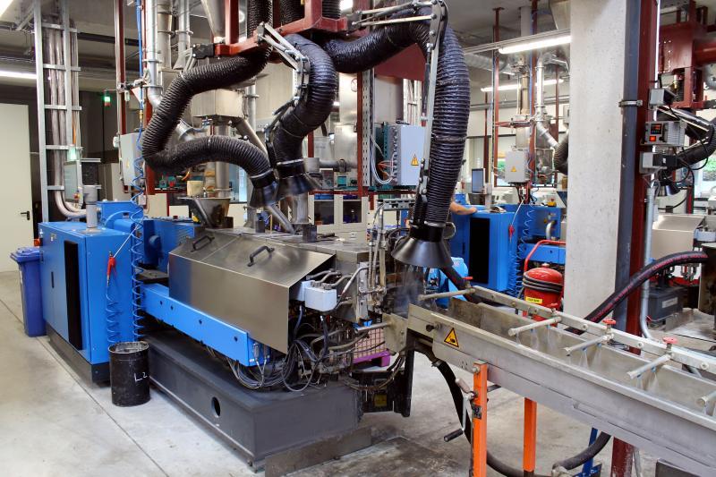 Aurora Kunststoffe produziert aktuell mit fünf Extrudern über 50 Tonnen Recompounds pro Tag. Für die Zukunft rechnet Aurora mit steigender Nachfrage, vor allem wenn es eine gesetzlich vorgeschriebene Recycling-Quote geben wird.