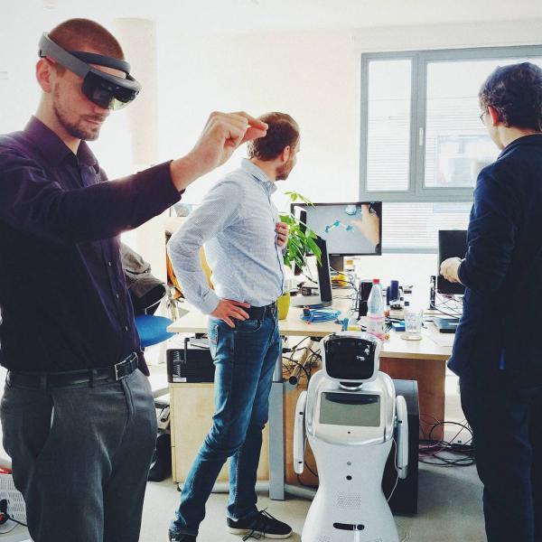 Die Software von Gestalt Robotics wird beispielsweise in der industriellen Bildverarbeitung und Werkerassistenz sowie in autonomen Transport- und intelligenten Robotersystem eingesetzt.