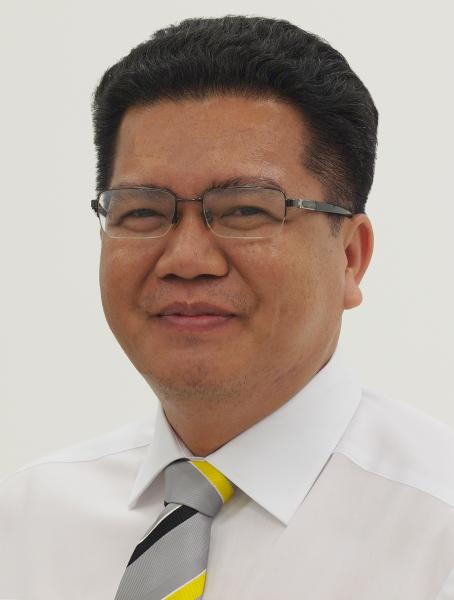 Atepat Tungkatacha, Director Zoller