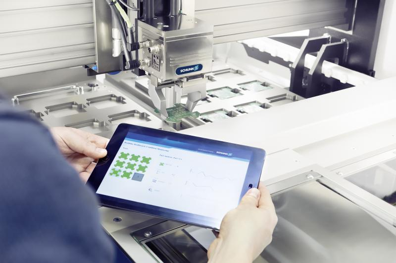 Beim Smart Gripping nutzt SCHUNK einen Technologieträger auf Basis des intelligenten SCHUNK EGL unmittelbar zur Prozessüberwachung.