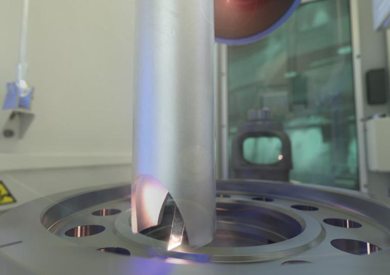 During laser cleaning, the high-energy laser beam evaporates impurities from surfaces. The evaporation residues are extracted and neutralized with catalyzers or filter systems.