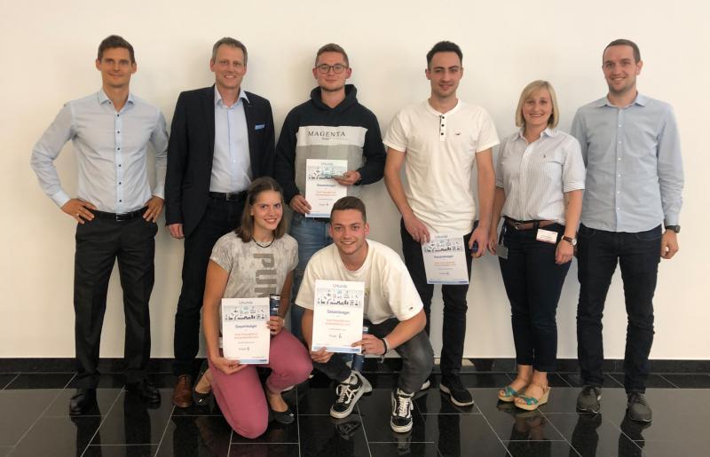 Glückliche Sieger: Den ersten Platz beim Schülerwettbewerb belegte ein Team der Gewerbeschule Mosbach.