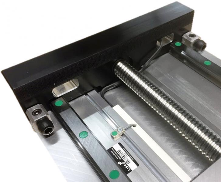 LISCO fertigt Spindel-, Zahnriemen- oder Linearmotorachsen einfach oder als Mehrachssysteme und stattet diese zum Schutz der Endlagen und der Gesamtkonstruktion mit Strukturdämpfern von ACE aus