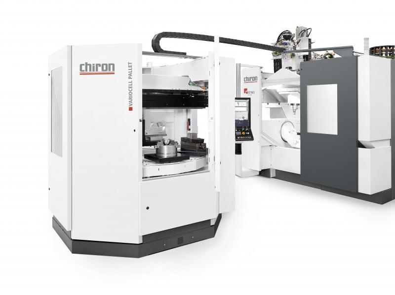 Durch die Kombination der CHIRON FZ 16 S five axis mit der neuen Automationslösung VariocellPallet können kleine Losgrößen sowie komplexe Werkstücke autonom und damit hochflexibel bearbeitet werden.