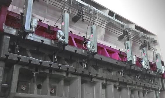 """Komponenten wie diese Magnetspannplatten sind während der Messe live auf einer """"TOP Line 2000""""-Presse von Andritz Kaiser im Einsatz zu sehen."""