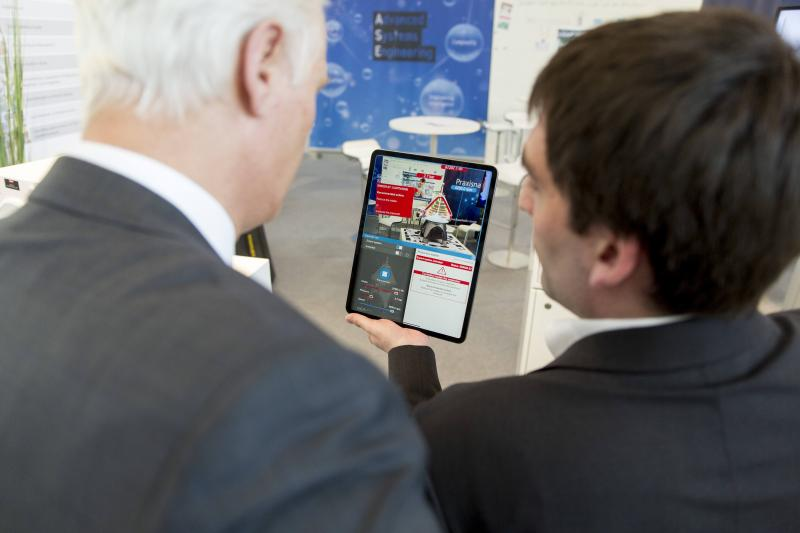 Mit KI-Technologien Betriebszustände erfassen und intelligent überwachen: Digital in NRW zeigt die Möglichkeiten Maschinellen Lernens am Beispiel des Betriebs einer Industriezentrifuge.