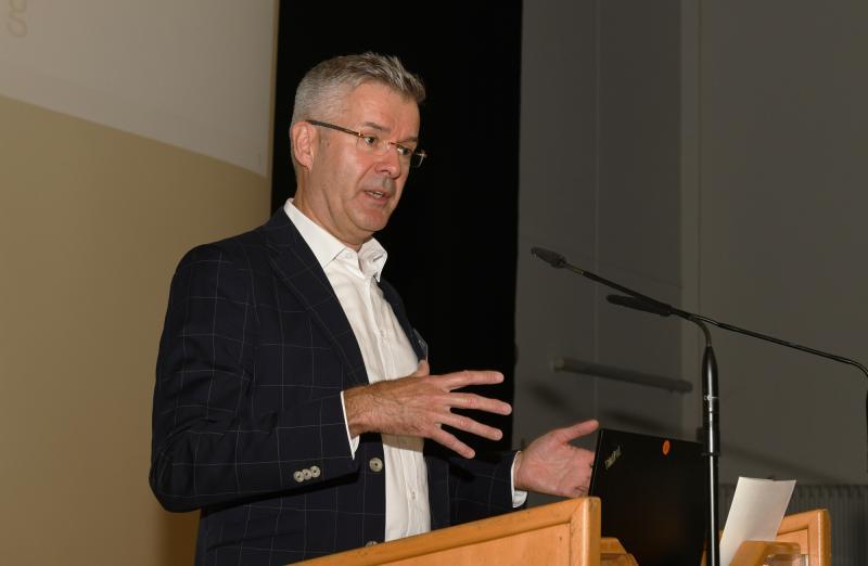 Prof. Jens Wulfsberg, Leiter des Laboratoriums für Fertigungstechnologie (LaFT) der Helmut-Schmidt-Universität Hamburg