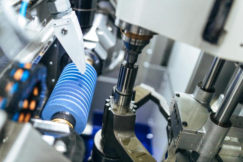 Diese Liebherr-Wälzschleifmaschine LGG 180 garantiert höchste Präzision, Prozessstabilität, Serientauglichkeit und größtmögliche Effizienz beim Schleifen von E-Bike- Getrieben.