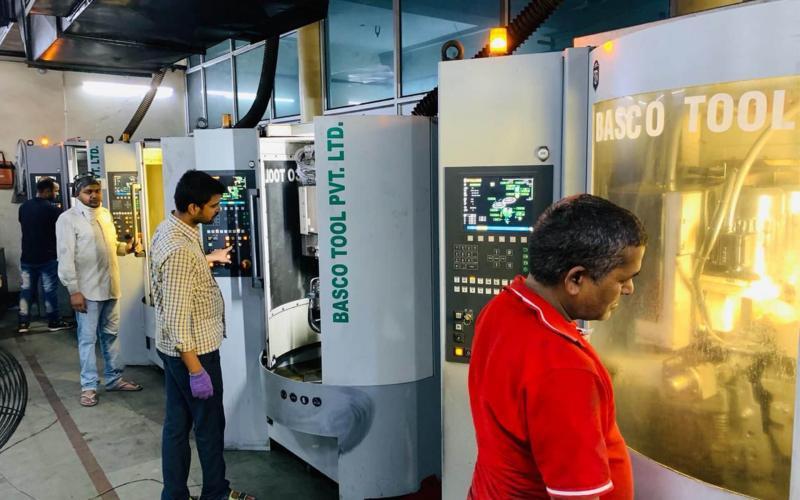 Kreissägeblätter schärfen für Indiens Aufschwung