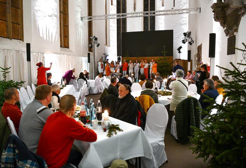Weihnachtsessen der Egin-Heinisch in der Brüderkirche Kassel