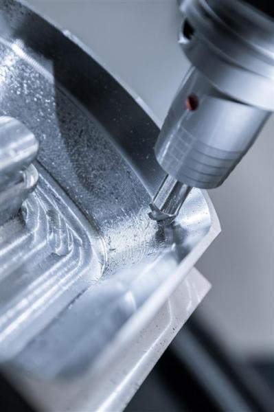 Die Stahl-Hartmetall-Kombination wirkt schwingungsdämpfend und erzeugt erstklassige Oberflächengüten, die eine Nachbearbeitung überflüssig machen.