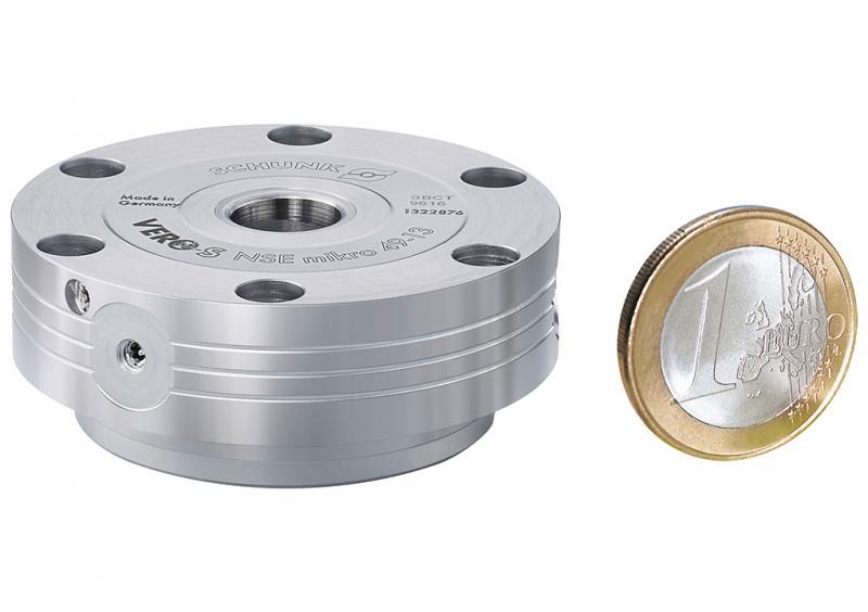 SCHUNK VERO-S NSE mikro 49-13 eignet sich für Einsätze in der Zerspanung ebenso wie für Prüfanwendungen und die Automation.