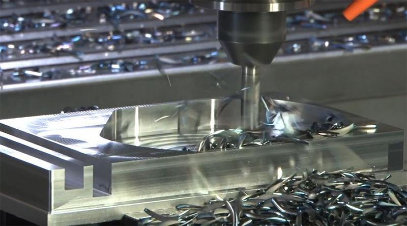 Hohe Prozesssicherheit und Standzeiten bei der spanabhebenden Bearbeitung mit dem neuen Fräser 35402