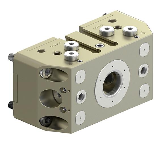 Die leichte und kompakte Miniaturkupplung VERO-S NSR mikro 60 ist speziell für Kleinroboter konzipiert. Mit ihr sind besonders niedrige Aufbauten aus Spannstation und -palette realisierbar, wodurch viel Platz für die Bauteile und für die Achsbewegungen bleibt.