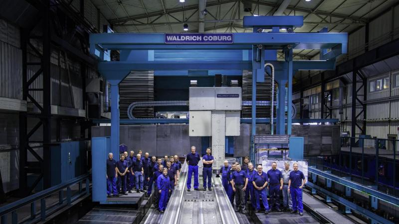 All employees who were involved in the overhaul are proud and happy to continue to work successfully with the machine.