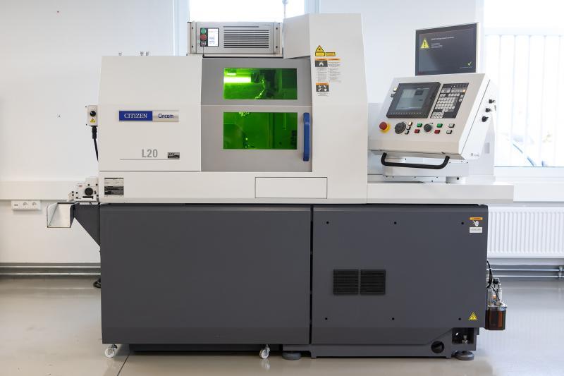 Laser- und Drehtechnologie auf einer Maschine? Die Cincom L20 ist im wahrsten Sinne ein Hybrid, verbindet sie doch die Vorzüge beider Kompetenzen und toppt das Ganze auf Wunsch sogar noch mit der patentierten LFV-Technologie.