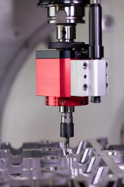 The EMUGE Taptor threading tool combines a twist drill with a tap and leads to significant savings in machining time.