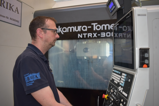 """Dirk Wunsch, Leiter Fertigung und Arbeitsvorbereitung bei heimatec: """"Mit der NTRX-300 erreichen wir reduzierte Stückkosten, höhere Bauteilqualitäten und kürzere Durchlaufzeiten."""""""
