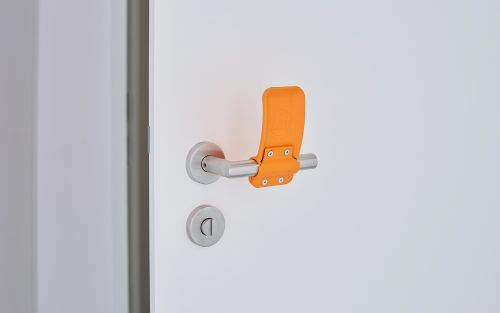 Hygienic door handle reduces risk of infection