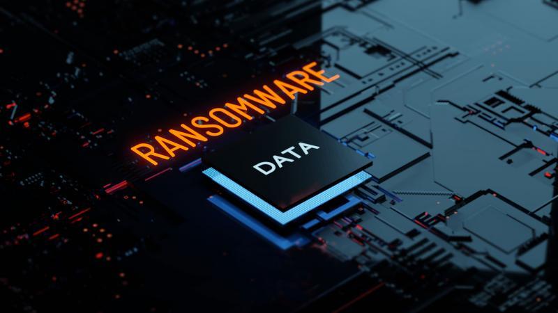 Seit dem 10.07.2020 steht die Produktion beim Maschinenbauer Netzsch still. Ein schwerwiegender Cyberangriff zwang das weltweit tätige Unternehmen mit Sitz im oberfränkischen Selb dazu, das IT-Netzwerk komplett herunterzufahren. Ein Trojaner war in das Firmennetzwerk eingedrungen und verschlüsselte nach und nach alle Daten des Unternehmens. Fakt ist: Die Zahl der Ransomware-Angriffe auf den Maschinen- und Anlagenbau wächst in besorgniserregendem Umfang – auch bei Betrieben, die großen Wert auf IT-Sicherheit legen. Wer sich schützen will, sollte auf den Ernstfall vorbereitet sein und sich mit einer maßgeschneiderten Cyberversicherung umfassend absichern.