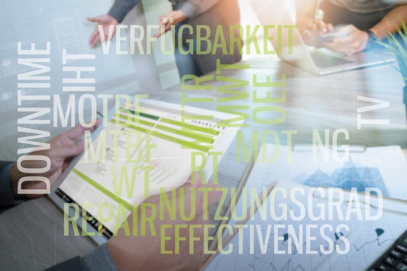 """Jede Abteilung, jedes Berufsfeld hat eigene KPIs. Doch was sind eigentlich KPIs, warum sind sie so hilfreich und welche sind in der Instandhaltung geläufig?  KPIs (""""Key Performance Indicators"""", auch Kennzahlen genannt) dienen im Allgemeinen dazu, den Erfolg, die Effektivität und die Effizienz messbar zu machen und Veränderungen festzustellen. Auch helfen Sie dabei, Arbeits- und Funktionsweisen transparent darzustellen, um sie anderen Abteilungen oder Stakeholdern anschaulich zu präsentieren."""