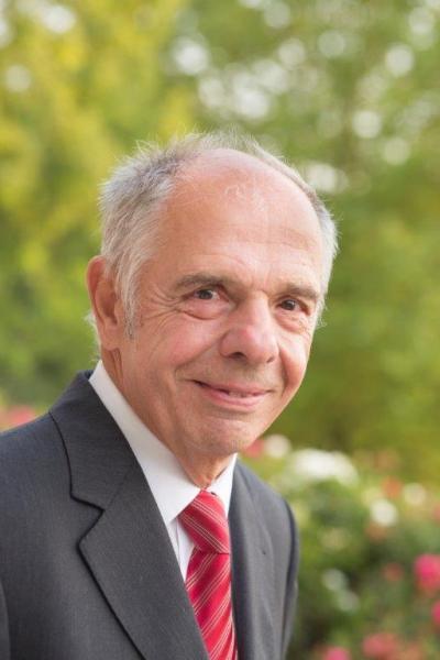 Wanderer zwischen Wirtschaft und Wissenschaft: Prof. Hartmut Weule wird 80