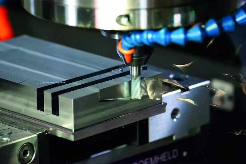 Der 35502 ist für den universellen Einsatz in allen Stahlsorten und sowohl zum Vollnutenfräsen, Schruppen und Schlichten als auch für die trochoidale Bearbeitung geeignet.
