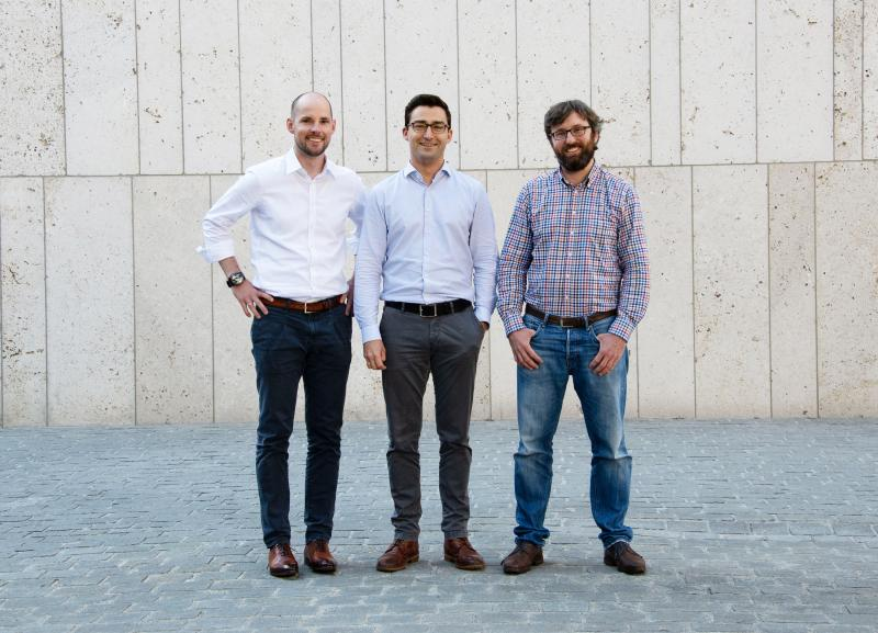 Dr Johannes Schmalz (left) and Dr Markus Westermeier (centre) developed the idea for Spanflug while completing their doctoral studies at the iwb of TU München. They founded the company in January 2018 together with Dr Adrian Lewis (right).
