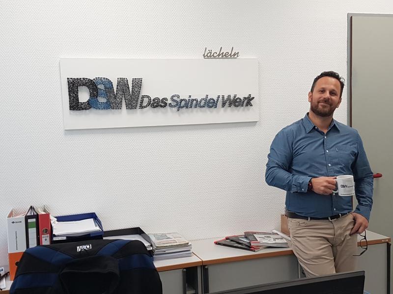 Guten morgen von den Spindelwerkern aus Bad Emstal.   Das Spindel Werk GmbH ist offizielles Mitglied des FDM Fachverband des Maschinen- und Werkzeug-Grosshandels e.V.