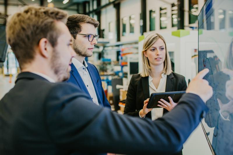 Erfolgreiche Durchführung innerbetrieblicher Lernprojekte und Implementierung erster Industrie-4.0-Lösungen im Forschungsprojekt KMU 4.0
