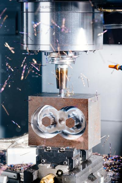 Durch das Trochoidalfräsenkann die Standzeit der Werkzeuge bis um ein Zehnfaches verlängert werden, die Bearbeitungszeiten reduzieren sich um 30 bis 40 Prozent.