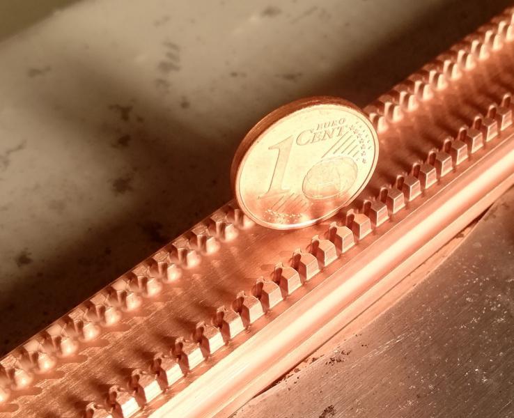 Bild 3: Größenvergleich – PK0 Elektrode mit 1 Cent Münze