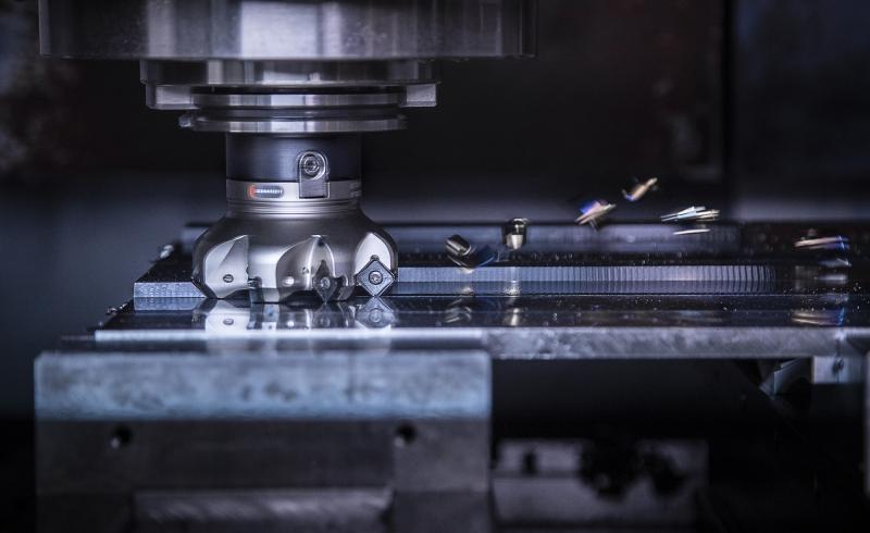 Mit der Systemgrößenerweiterung von 12 mm werden mehr Wendeplatten auf die Trägerwerkzeuge gebracht. Dadurch erhöhen sich spürbar Standzeiten und Zeitspanvolumen.