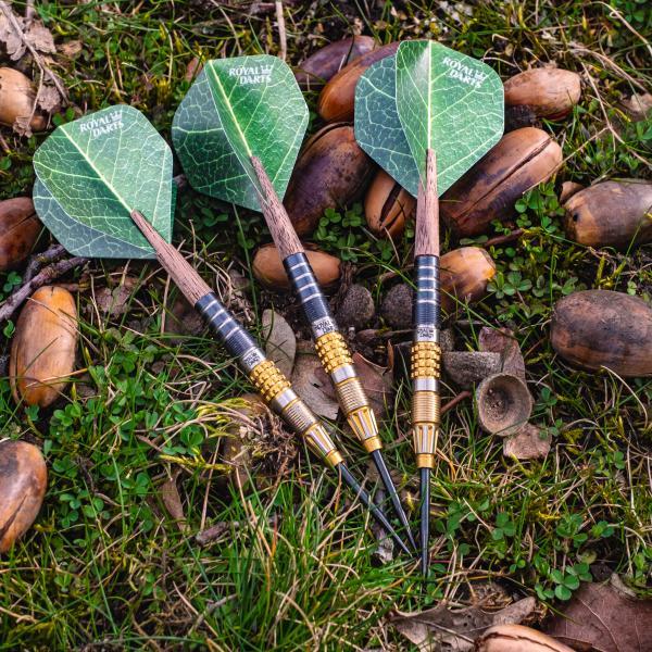 Darts mit Holzschäften sehen nicht nur gut aus, sondern weisen auch in Bezug auf Umweltverträglichkeit Vorteile auf.