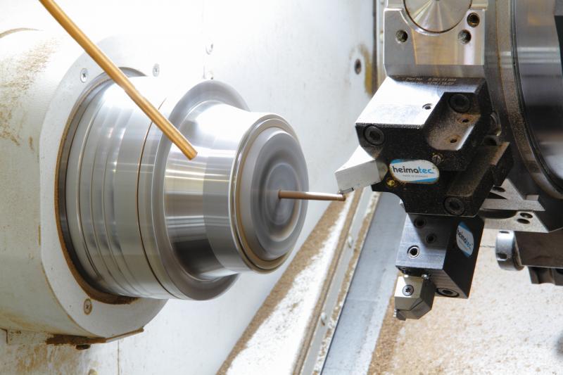 Derzeit ist die AS-200 vollständig mit der Schäfteherstellung ausgelastet.