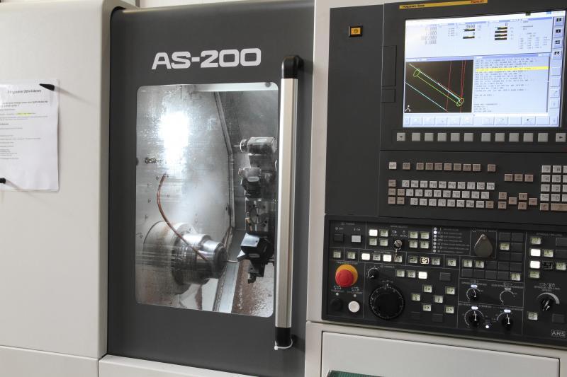 Die AS-200-Reihe bietet drei Modelle zur Auswahl, die Stangenarbeiten bis zu einem Durchmesser von 65 mm und Futterarbeiten bis zu 200 mm Durchmesser abdecken.